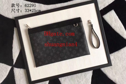 Hand Hooked Bag Australia - 2019 new fashion women's style elegant and stylish be hand-held also be put into the inside the patch pocket with hook handbags