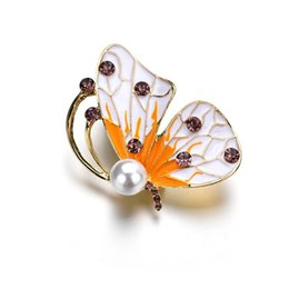 China Fashion Handmade White And Yellow Butterfly Crystal Rhinestone Brooch Pin for Women Lady Costume Jewelry b169 supplier butterfly costumes for women suppliers