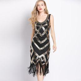 efb0fee43c9 Women 1920s Vintage Sleeveless Crisscross Fringe Sequin Flapper Dress  Roaring 20s Great Gatsby Dress Jazz Party Dance Costumes