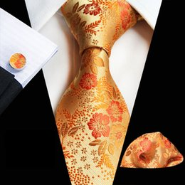 Wholesale Business Model NZ - spot direct supply 2018 net sales explosion models plum paisley men's tie pocket towel cuffs three-piece suit