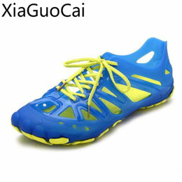 $enCountryForm.capitalKeyWord Australia - Summer Newest Mens Casual Sandals Jelly Fashion and Leisure Men's Flat Sandals Shoes Holes Travel Driving Male Beach