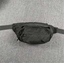 Sac à bandoulière Designer sac à bandoulière Sacs meilleure vente Nouveau Broderie Poitrine Sac Hommes Mode Sport Unisexe Simple Épaule Sacs plus récents en Solde