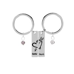 $enCountryForm.capitalKeyWord Australia - 2pcs set New Couple keychain Fashion Lovers letter Charms An arrow through a heart Key Rings for Valentines Gift Jewelry