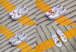 hand painting canvas shoes NZ - 2020 luxury Street Style Graffiti Casual Shoes Men Elastic Lazy Shoes Hand-Painted Male Sneakers Canvas Leisure Man Flat Shoe EUR36-44