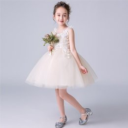 Großhandel Mädchen Pengpengsha Prinzessin Rock Sommer neue weiße Kinderkleider Mädchen schöne weiße darstellende Kleider Geburtstagsfeier Blumenkinder