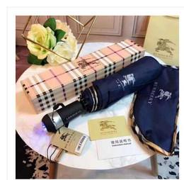 Vente en gros Camélia Fleur Parapluie Femmes 3 - Fold UV Shade Protection Ensoleillé Et Rainy Umbrella 8 Couleurs en Solde