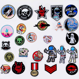 $enCountryForm.capitalKeyWord NZ - Astronaut Rocket Small Pet Iron On Patches Sewing Embroidered Applique for Jacket Clothes Stickers Badge DIY Apparel Accessories