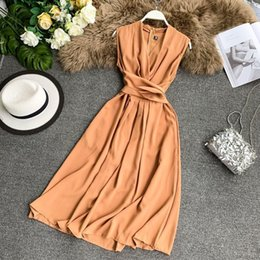 $enCountryForm.capitalKeyWord UK - French Popular Fairy Dresses Sexy V-neck Sleeveless Careful With Crossed Tie And Slender Mid-length Skirt Summer J190716