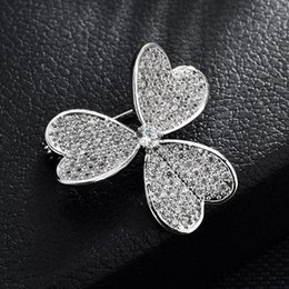 flower shape brooches UK - wholesale Mirco Pave CZ Zircon Pins and Brooches for Women Leaf Shape Crystal Flower Brooch Korean Fashion Jewelry christmas gifts