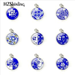 Chinese Porcelain Pendants UK - 12 Patterns Chinese Style Blue And White Porcelain Glass Cabochon Hand Craft Stainless Steel Pendant Charms Jewelry Accessories