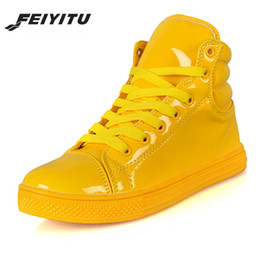 $enCountryForm.capitalKeyWord Australia - FeiYiTu New Arrival Couple Platform Shoes Lighted Candy Color High-top Shoes Men Fashion Flat Trainers White Black Yellow Red