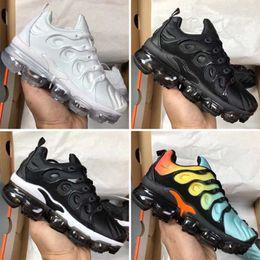 New Kids TN Plus Baby Boy Menina Crianças Sapatos de Atletismo Designer de Moda Sneaker ao ar livre Preto Branco Multi Camuflagem Running Shoes Eur28-35 em Promoção