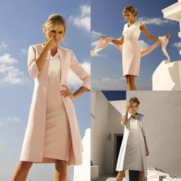 f2ea0ae9a982 Elegant Fall Two Tone Petite Satin Mother Of The Bride Dresses With Jacket  Elegant Lace Knee Length Short Mom Skirt Outdoor 2 piece