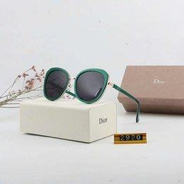 Designer de Óculos De Sol De Luxo Óculos De Sol Óculos para Mulher Encantador Óculos de Condução UV400 designer De Moda de Alta qualidade com Caixa em Promoção
