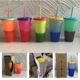 green plastic straws UK - 5 colors 24oz Plastic Color Changing Cup Magic Drinking Tumbler with lid and straw Reusable Candy color cold drinks cup free shipping