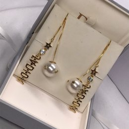 Wholesale DI earrings for women earrings craft inlaid with pearls mix and match material design pearl letter decoration new fashion trend