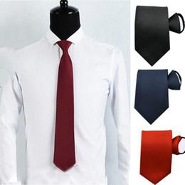 Venta al por mayor de Sencillo Borgoña Azul marino Negro Satén elástico Novios Corbatas Fiesta de bodas en el campo Flaco y liso Accesorios para hombres de negocios sin corbata