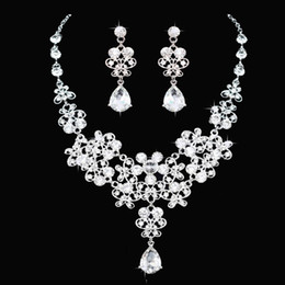 crystal necklace tiara earrings Canada - whole saleHigh Quality Fashion Crystal Wedding Bridal Jewelry Sets Women Bride Tiara Crowns Earring Necklace Wedding Jewelry Accessories