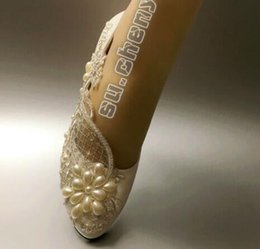 $enCountryForm.capitalKeyWord Australia - Flat Lace white ivory pearls low high heel pump Wedding Bridal shoes party shoes women shoes bridal