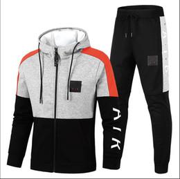 760a846572 Marke Winter Trainingsanzüge Designer Mäntel TopsPants Anzüge Logo Mode  Herbst Strickjacke Männer Hoodies Sweatshirts Reißverschluss  Herrenbekleidung ...