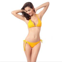 4cbf6a218 2019 ew Triângulo Swimwear Brasileira Amarelo Bikini push up Sutiã Bandagem  Monokini Sexy Mulheres Maiô Conjunto de Banho atacado venda quente piercing