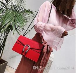 Europeu e Americano saco Dionisíaco feminino 2018 nova moda bolsa de ombro do Mensageiro selvagem simples bolsa frete grátis em Promoção