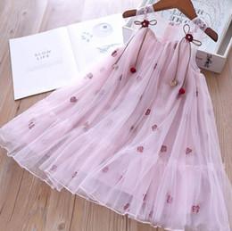 $enCountryForm.capitalKeyWord NZ - Girls lace tulle dress kids lace gauze floral embroidery dress children pearls pendant ribbon lace-up Bows vest princess dress