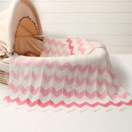 102 * 76 cm nouveau bébé infantile tricoté panier couverture pour l'été Climatisation Toddler Literie Couette Nouveau-Né Super Doux Swaddles Wrap Couvertures en Solde
