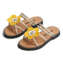 $enCountryForm.capitalKeyWord Australia - Children's Sandals 2019 Summer New Cute Flowers Indoor and Outdoor Flip flops Kiad Casual Slippers For Girls Baby Beach Shoes