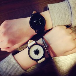 $enCountryForm.capitalKeyWord Australia - 2019 Fashion Trending men designer watches Leather strap Simple dial Iady Watches fashion style Casual Hours Lover's Watch Valentine's Best