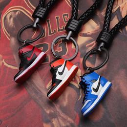 Toptan satış Marka Sneakers Ortak Adı Custom Made Anahtarlık kolye Çift Süsler Yaratıcı Hediye Basketbol Ayakkabı Anahtarlık Anahtarlık El Sanatları