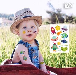 decorazione del fumetto 100pcs Sticker per bambini Film per cellulare chitarra caso di corsa Sticker Porta Laptop Deposito bici dell'automobile a caso in Offerta