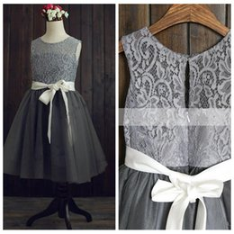 $enCountryForm.capitalKeyWord Australia - 2019 Grey Lace A-Line Flower Girls Dresses Tulle Skirt Short Formal Kids Party Gowns Cheap With Ribbon Vestidos De Communion Gowns