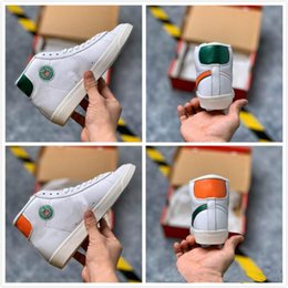 Wholesale new blazers for men resale online - 2019 New Release Blazer Mid x Hawkins High School Sport Shoes Stranger Things Basketball Shoes for Men Designer Sneakers Hot Sale Trainers