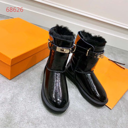 Favorite Boots Australia - 2019 hot selling fashionable boots luxury brand girls favorite beautiful comfortable shoes with lock decoration female flat shoes size 35-40
