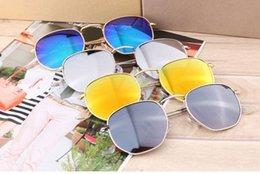 $enCountryForm.capitalKeyWord Australia - Wholesale- Fashion Geometry Sunglasses Women men uv400 Lens Round Sun Glasses Men Alloys Frame Eyeglasses Oculos De Sol with brown cases