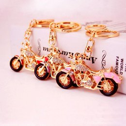 Wholesale Motorcycle Model Keychain Motorbike Crystal Gold Keychains Key Chain Ring Keyring Womens Bag Charm Pendant Jewelry Wedding Party Gift
