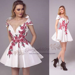 $enCountryForm.capitalKeyWord Australia - 2019 Tony Chaaya White short prom dress with Embroidery floral lace Formal Dresses Evening Wear with pocket special back design custom made