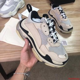 rubber include NZ - Triple S Designers Sneaker Luxury Shoes Fashion Casual Shoes Luxury Triple S Trainers Included Top Selling Outdoor Shoes On Sale
