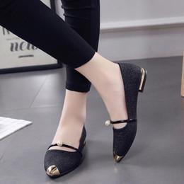 Venta al por mayor de Diseñador de zapatos de vestir de las mujeres del dedo del pie puntiagudo sandalias Ladise bombas de primavera otoño casual tacón bajo superficial elegante boda zapato 35-39 regalos
