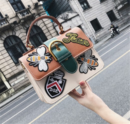 EmbroidEry lady bags online shopping - designer handbags womens New style embroidery emblem for ladies in bags hot sale new arrival high quality black green brown