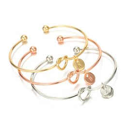$enCountryForm.capitalKeyWord NZ - 26 Letter Knot Heart Bracelet Fashion Woman Metal Round Pendant Chain Bangle Classic Girl Hand Link Jewelry PartyvGift TTA1033
