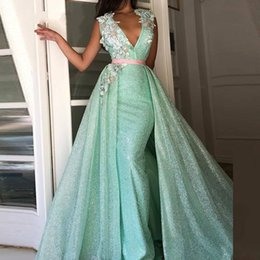 Wholesale Long Green Lace Arabic Evening Dress with Detachable Skirt V Neck Kaftan Saudi Formal Evening Party Dresses Prom