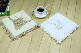 square table cloths NZ - QUNYINGXIU Table Cover Cloth Handmade Crocheted Europe Floral Square Protection Plate Tabelclothes Wedding 20*20 inch = 51*51cm