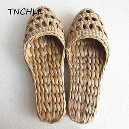 chinese red slippers Australia - Chinese Style Women Men Straw Slippers Handmade Comfortable Casual Sandals Summer Grass Shoes Unisex Home Shoes Footwear SE5025