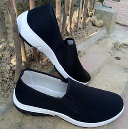 Siyah spor ayakkabı rahat yumuşak iş ayakkabıları sürüş ayakkabı US5-12 tasarımcı çantaları