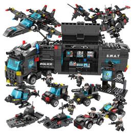 block brick police Canada - 750pcs SWAT Police Station truck model Building Blocks City machine Helicopter Car Figures Bricks Educational Toy For Children