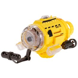 Spycam Camera Australia - Mini RC Submarine Infrared Control SpyCam Aqua RC Submarine Unique Feeding Device With 0.3 MP Camera and Led Light Toys