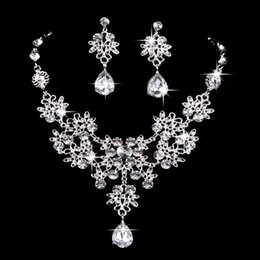 $enCountryForm.capitalKeyWord NZ - hair accessories for women tiara crowns Bridal jewelry butterfly large drop necklace earrings set wedding jewelry knot wedding accessories
