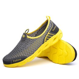 swim shoes for beach NZ - Summer 2020 Unisex Water Shoes for Men Women Mesh Breathable Upstream Beach Sneakers Swimming Quick-drying Aqua Shoes Flexible
